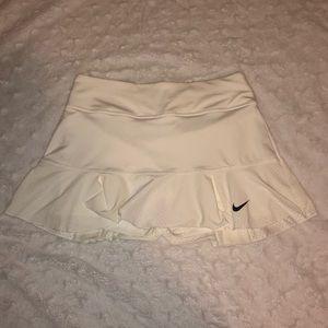 White nike tennis skirt 🎾